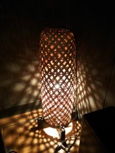 竹のスタンド照明