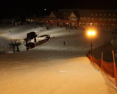 スキー場ナイター照明