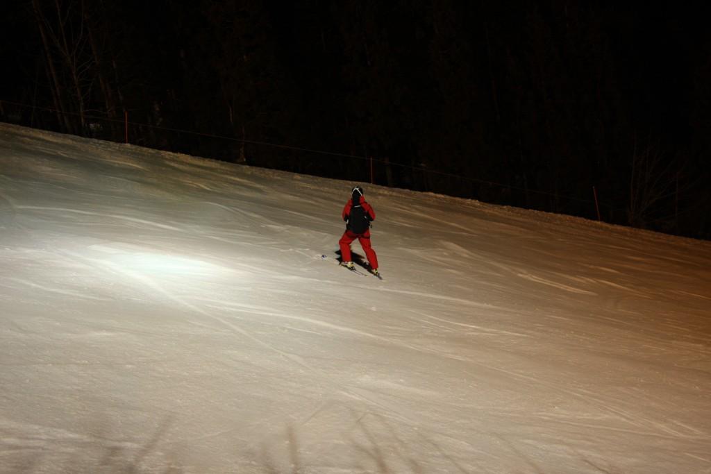 スキー場ゲレンデ照明スポット2