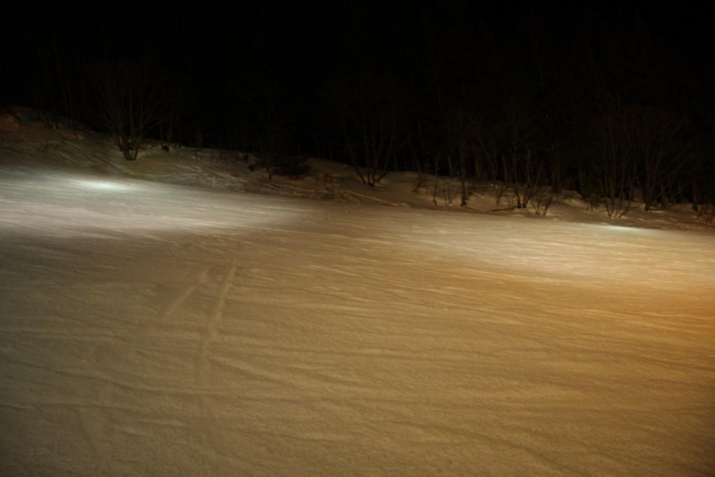 スキー場ゲレンデ照明スポット1