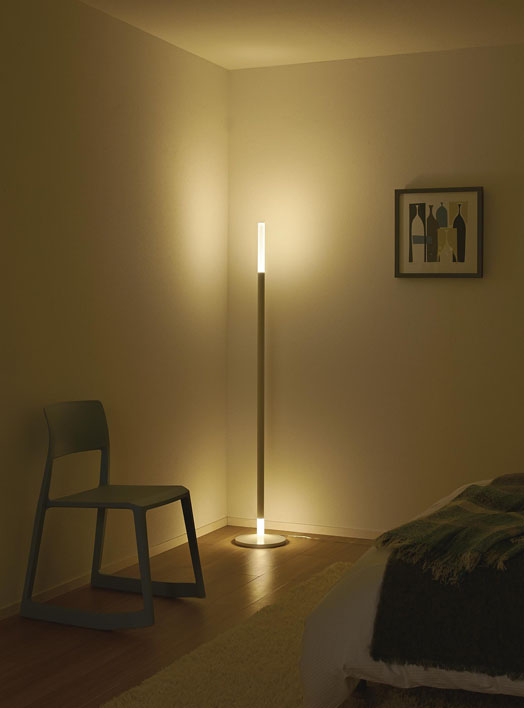 スタンド照明(DAIKO)