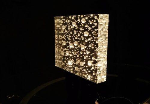 アクリルと照明を組み合わせてみました